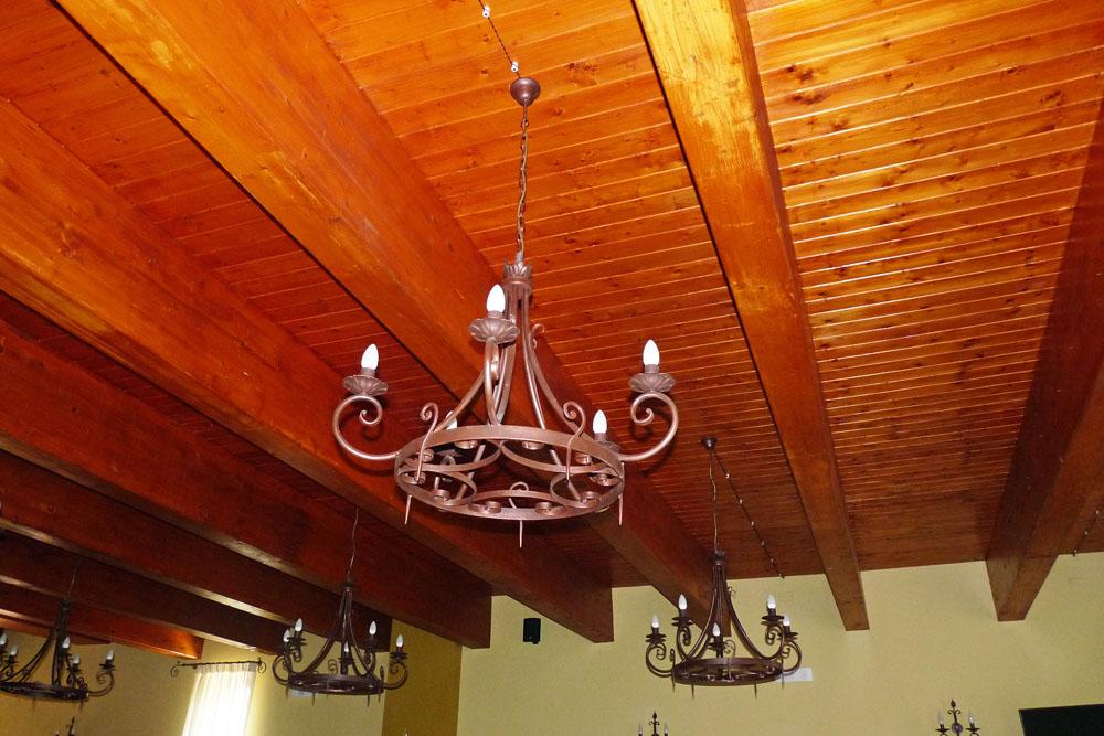lampadario in ferro forgiato a mano