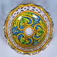 piatto in ceramica decorato a mano n.25