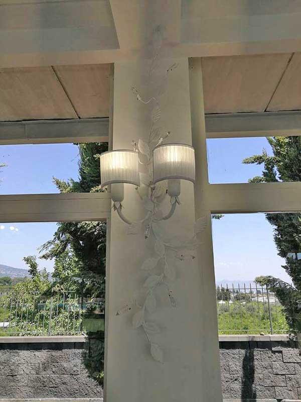 lampada da parete con due luci shappy chic con paralume