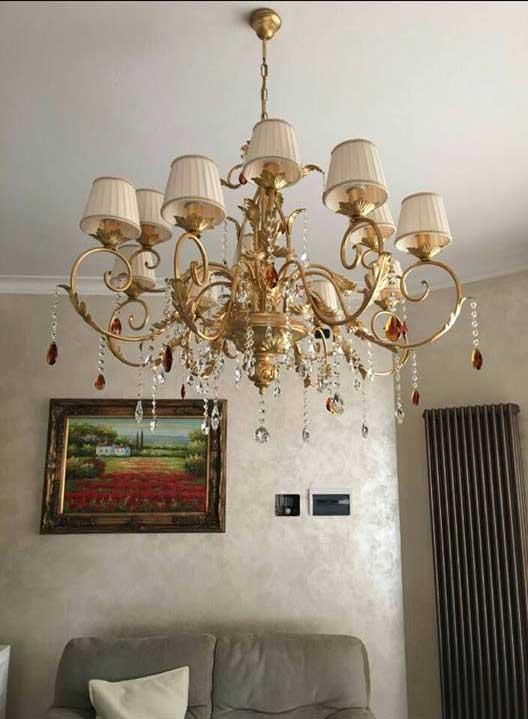 lampadario foglia oro e paralume con pendenti