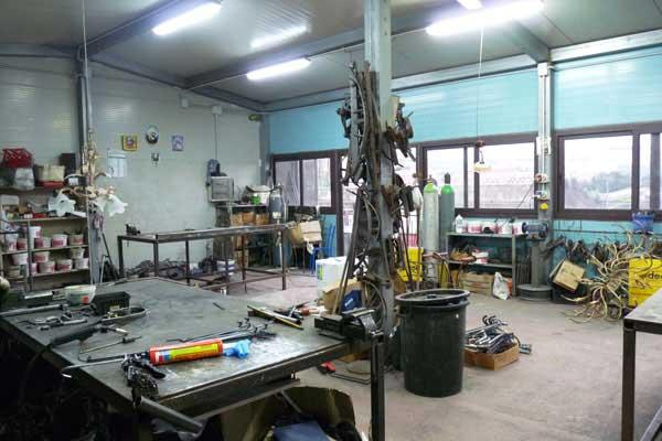 fabbrica artigianale di lampade officina