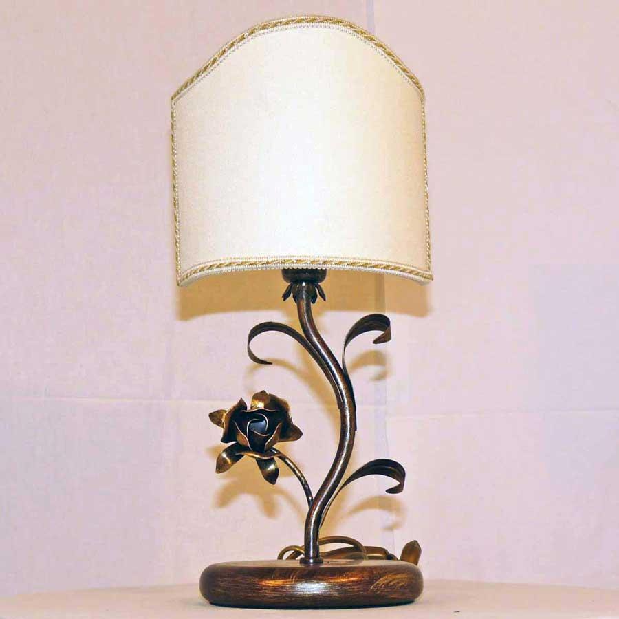 Lampada Lume Per Camera Da Letto Con Ferro E Paralume Art 169